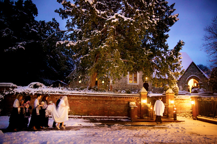 How to be the perfect Winter Wedding Photographer