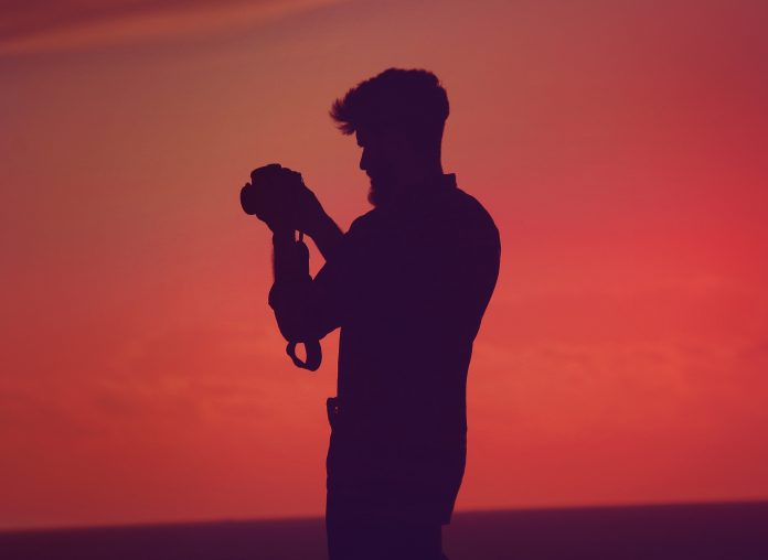 silhouette-of-photographer