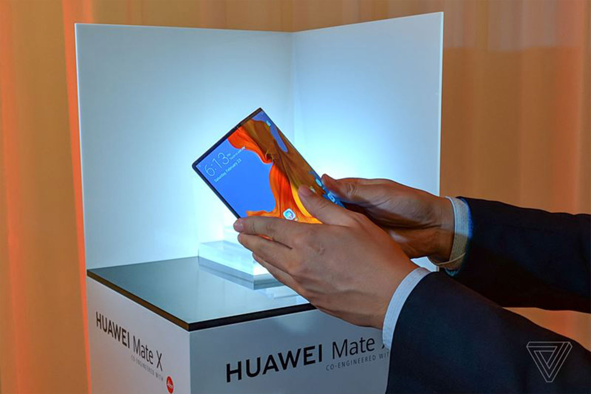 Huawei Mate X | Photo: The Verge