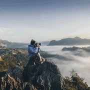 Photographer in Baan Ja Bo. Mae Hong Son, Thailand. | Photo: Alif Ngoylung on Unsplash