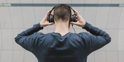 Man wearing headphones | Photo: Burst via Pexels