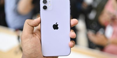 Person holding Apple iPhone 11 | Photo: Digital Trends