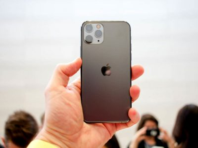 Person holding Apple iPhone 11 Pro | Photo: Pocket-lint