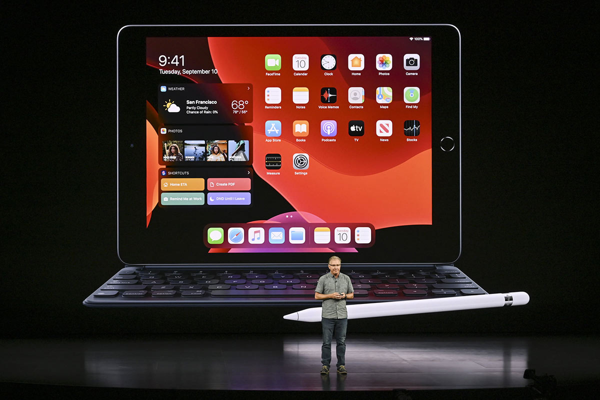 Apple iPad on stage at Apple's Event 2019 | Photo: Digital Trends